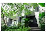 Rumah Modern Dengan Kolam Renang Di Senopati Gunawarman