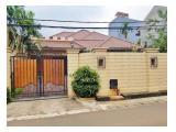 Disewakan Rumah Mewah Luas dan Nyaman di Kemang Timur Jakarta Selatan  (Fully Furnished)