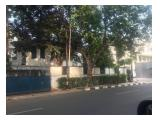 Sewa Rumah Strategis Pinggir Jalan Suryo cocok untuk Cafe, Restoran