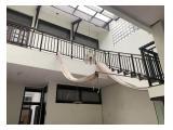 Sewa Rumah Besar Sangat Strategis di Bandung - Siap Huni, Cocok untuk Kantor & Rumah Tinggal - 4+2 KT, 5+1 KM Semi Furnished
